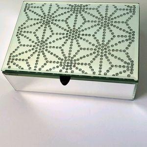 Mirrored keepsake box